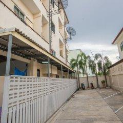 Апартаменты Poon Sook Apartment парковка