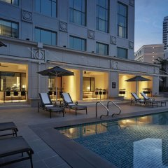 Отель JW Marriott Hotel, Kuala Lumpur Малайзия, Куала-Лумпур - отзывы, цены и фото номеров - забронировать отель JW Marriott Hotel, Kuala Lumpur онлайн бассейн фото 3