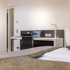 Отель Collegium Leoninum сейф в номере