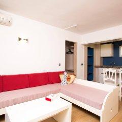Отель Aparthotel Cabau Aquasol Испания, Пальманова - 1 отзыв об отеле, цены и фото номеров - забронировать отель Aparthotel Cabau Aquasol онлайн комната для гостей фото 5