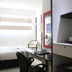 Отель Executive Plaza Hotel Филиппины, Манила - отзывы, цены и фото номеров - забронировать отель Executive Plaza Hotel онлайн удобства в номере