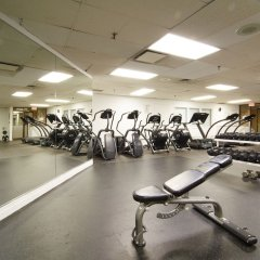 Отель Chestnut Residence and Conference Centre - University of Toronto фитнесс-зал фото 3