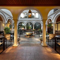 Отель Eurostars Conquistador Испания, Кордова - 1 отзыв об отеле, цены и фото номеров - забронировать отель Eurostars Conquistador онлайн интерьер отеля