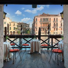 Отель San Cassiano Ca'Favretto Италия, Венеция - 10 отзывов об отеле, цены и фото номеров - забронировать отель San Cassiano Ca'Favretto онлайн балкон