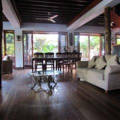 Отель deVos - The Private Residence комната для гостей