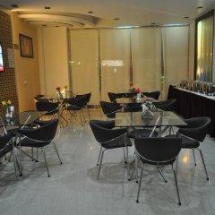 OYO 527 Hotel Le Cadre питание фото 2