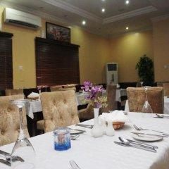 Carat 24 Business Hotel and Suites LTD питание