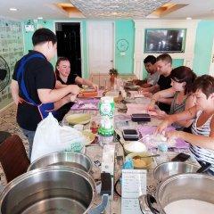 D Hostel Bangkok Бангкок питание фото 3