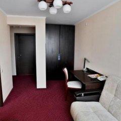 Гостиница Нефтяник в Тюмени 1 отзыв об отеле, цены и фото номеров - забронировать гостиницу Нефтяник онлайн Тюмень интерьер отеля