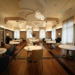 Отель Hostellerie De Plaisance Франция, Сент-Эмильон - отзывы, цены и фото номеров - забронировать отель Hostellerie De Plaisance онлайн гостиничный бар