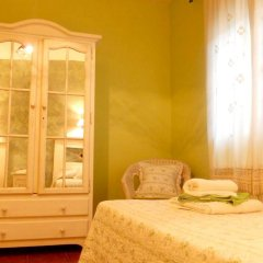 Отель House With 8 Bedrooms in Cenicientos, With Wonderful Mountain View and Furnished Terrace Эль-Баррако комната для гостей фото 4