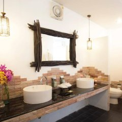 Отель Laksasubha Hua Hin ванная фото 2