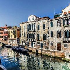 Отель Carmini Palace Canal View Италия, Венеция - отзывы, цены и фото номеров - забронировать отель Carmini Palace Canal View онлайн приотельная территория