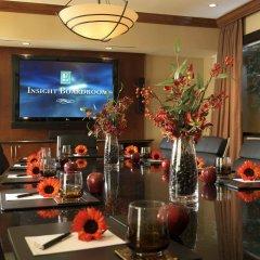 Отель Embassy Suites Fort Worth - Downtown гостиничный бар