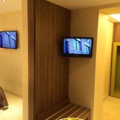 Hotel Smeraldo Куальяно сейф в номере