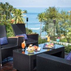 Отель Twin Sands Resort and Spa A204 гостиничный бар