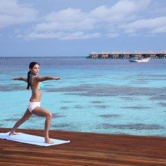 Отель Coco Bodu Hithi Мальдивы, Остров Гасфинолу - отзывы, цены и фото номеров - забронировать отель Coco Bodu Hithi онлайн фитнесс-зал
