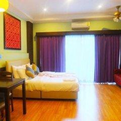Апартаменты Hill Top Sweet Serviced Apartment Паттайя комната для гостей фото 2