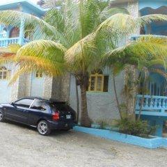 Cotton Tree Hotel парковка