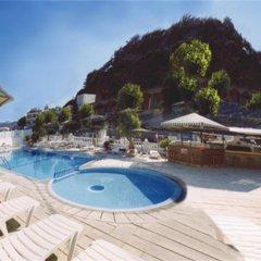 Отель Golden Days бассейн