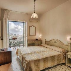 Отель La Margherita - Villa Giuseppina Италия, Скала - отзывы, цены и фото номеров - забронировать отель La Margherita - Villa Giuseppina онлайн комната для гостей фото 5