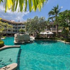 Отель Thara Patong Beach Resort & Spa Таиланд, Пхукет - 7 отзывов об отеле, цены и фото номеров - забронировать отель Thara Patong Beach Resort & Spa онлайн бассейн фото 3