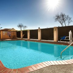 Отель Best Western PLUS Villa del Lago Inn бассейн фото 2