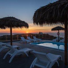 Отель Oia Sunset Villas Греция, Остров Санторини - отзывы, цены и фото номеров - забронировать отель Oia Sunset Villas онлайн бассейн