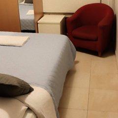 Отель Overseas Guest House комната для гостей