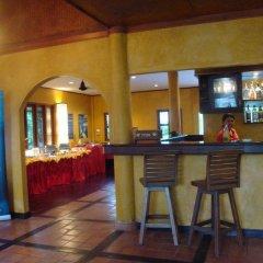 Отель Palm Garden Resort гостиничный бар