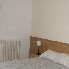 Отель Hostal L'esquella Сант-Марти-де-Сентеллес комната для гостей фото 4