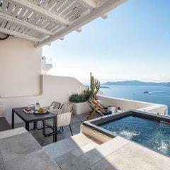 Отель Porto Fira Suites Греция, Остров Санторини - отзывы, цены и фото номеров - забронировать отель Porto Fira Suites онлайн бассейн фото 3
