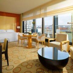 Отель Sheraton Berlin Grand Hotel Esplanade Германия, Берлин - 6 отзывов об отеле, цены и фото номеров - забронировать отель Sheraton Berlin Grand Hotel Esplanade онлайн комната для гостей фото 3