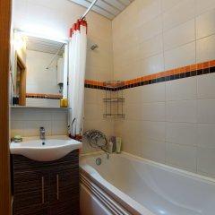 Гостиница Apartament Chkalovskaya в Санкт-Петербурге отзывы, цены и фото номеров - забронировать гостиницу Apartament Chkalovskaya онлайн Санкт-Петербург ванная