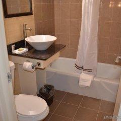 Отель Aashram Hotel by Niagara River США, Ниагара-Фолс - отзывы, цены и фото номеров - забронировать отель Aashram Hotel by Niagara River онлайн ванная