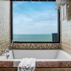 Отель Garden Cliff Resort and Spa Таиланд, Паттайя - отзывы, цены и фото номеров - забронировать отель Garden Cliff Resort and Spa онлайн ванная фото 2