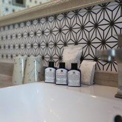 Tints of Blue Hotel ванная