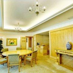 Golden Crown China Hotel интерьер отеля фото 2