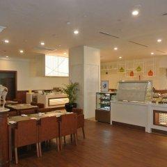 Отель Evergreen Laurel Hotel Penang Малайзия, Пенанг - отзывы, цены и фото номеров - забронировать отель Evergreen Laurel Hotel Penang онлайн питание фото 2