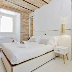 Отель Charming flat near Colosseum Рим комната для гостей фото 5
