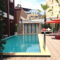 Отель Chitra Suite Паттайя бассейн фото 2