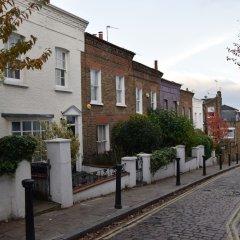 Отель Home With Roof Terrace Hampstead Village Лондон