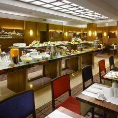 Отель K+K Hotel Fenix Чехия, Прага - 4 отзыва об отеле, цены и фото номеров - забронировать отель K+K Hotel Fenix онлайн питание фото 3