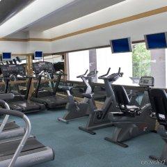 Royal Orchid Sheraton Hotel & Towers фитнесс-зал фото 2
