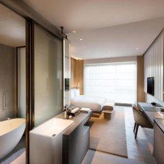 Отель Joyze Hotel Xiamen, Curio Collection by Hilton Китай, Сямынь - отзывы, цены и фото номеров - забронировать отель Joyze Hotel Xiamen, Curio Collection by Hilton онлайн удобства в номере фото 2