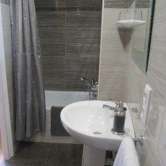 Отель Pensio El Moli Испания, Льорет-де-Мар - отзывы, цены и фото номеров - забронировать отель Pensio El Moli онлайн ванная фото 2