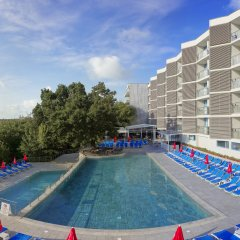 Slavey Hotel бассейн