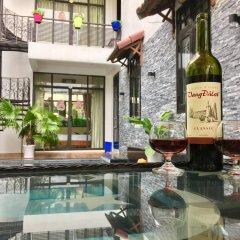 Отель Anh Family Homestay бассейн фото 3