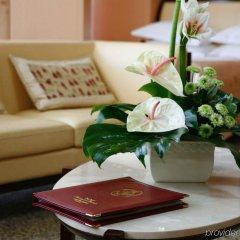 Гостиница Мартон Палас в номере