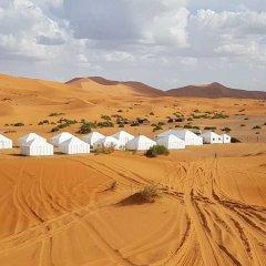 Отель Dunes Luxury Camp Erg Chebbi Марокко, Мерзуга - отзывы, цены и фото номеров - забронировать отель Dunes Luxury Camp Erg Chebbi онлайн пляж